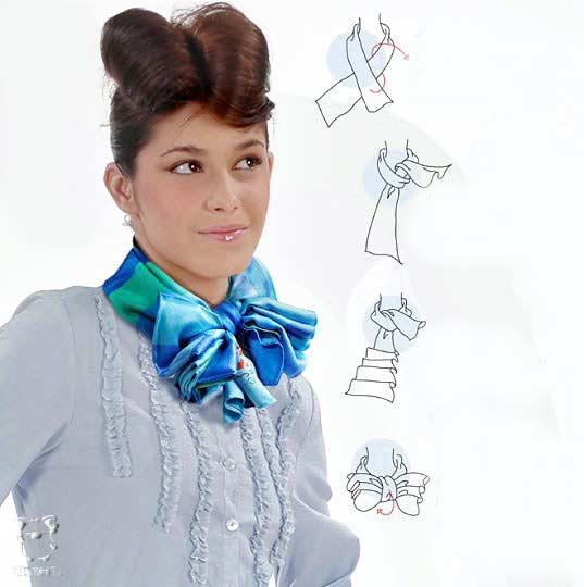 Как завязать шейный платок (схемы).  Женщина с красиво повязанным на шее...